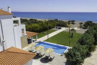 Gennadi Luxury Beach Front Villa