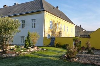 Gelegen in de regio niederösterreich, een royaal vakantieappartement (85m2) op de eerste etage met een ...