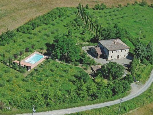 Lazio Villas te huur Villa op 600 meter hoogte met privé zwembad, veel privacy en prachtoge omgeving