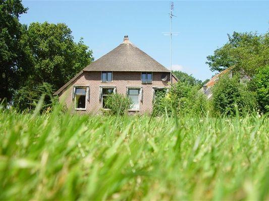 Overijssel Boerderijen te huur Boerderij met binnenzwembad, sauna, grote woonkamer in natuurgebied het Reestdal