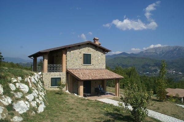 Vakantie accommodatie Camporgiano Noord-Italië,Toscane,Pisa-Lucca en omgeving 8 personen