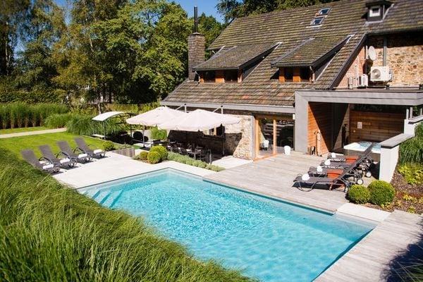 Ferienwohnungen/Ferienhäuser: All-in Preis! Luxe Villa mit Außenpool und Wellness, nur wenige Minuten von Spa (max. 14 Personen)
