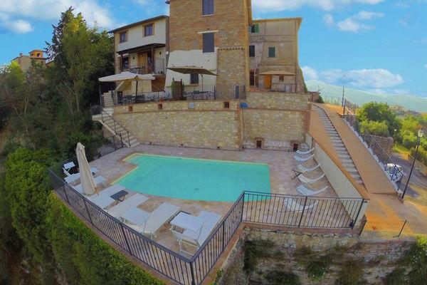 Vakantie accommodatie Collazzone Umbrië 8 personen