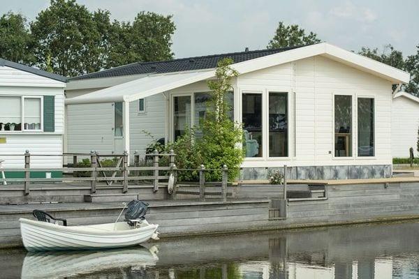 Oost-Graftdijk:Lujo, chalet independiente en un hermoso parque de vacaciones con piscina, cerca de Amsterdam