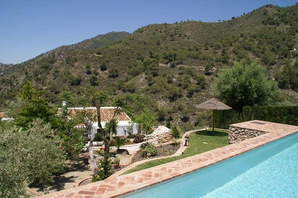 Ferienwohnungen/Ferienhäuser: Andalusisches Bauernhaus mit privatem Pool in bergigen Gegend (max. 4 Personen)
