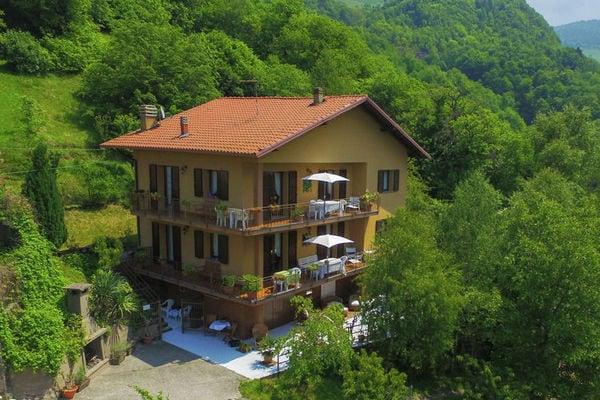 Vakantie accommodatie Pisogne Italiaanse meren,Iseomeer,Lombardije,Noord-Italië 9 personen