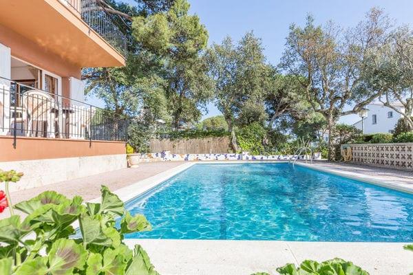 Ferienwohnungen/Ferienhäuser: Apartment am Meer mit Gemeinschaftspool und Gemeinschaftsgarten in Costa Brava (max. 6 Personen)