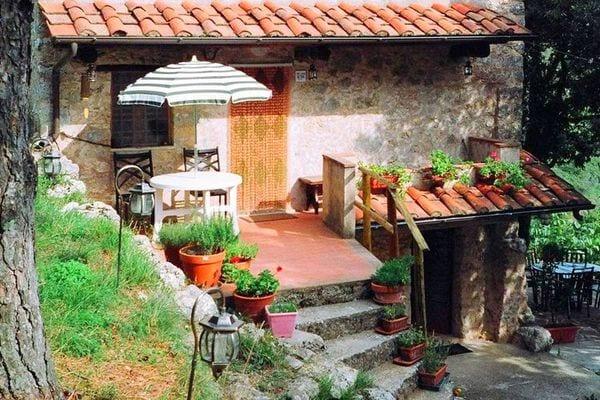 Vakantie accommodatie Camaiore Noord-Italië,Toscane,Toscaanse Kust,Pisa-Lucca en omgeving 4 personen