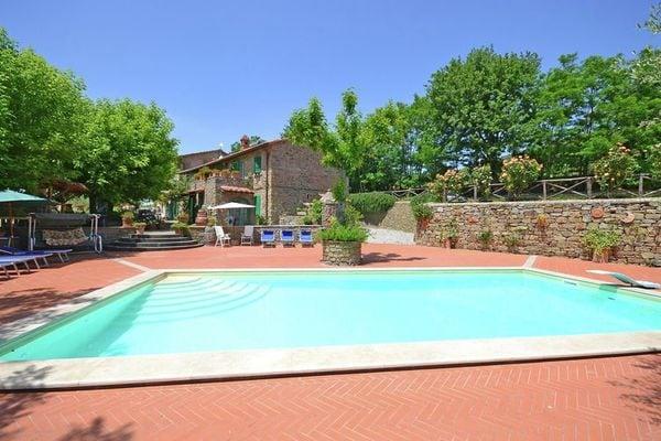Vakantie accommodatie Cortona Toscane 16 personen