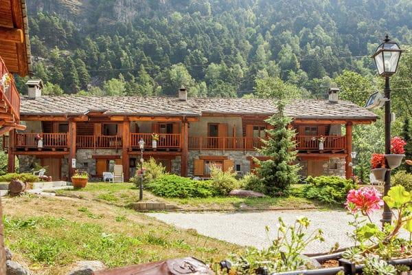 Vakantie accommodatie Antey-Saint-André Valle d'Aosta,Noord-Italië 12 personen