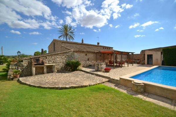 Ferienwohnungen/Ferienhäuser: Altes Bauernhaus mit Pool (max. 8 Personen)