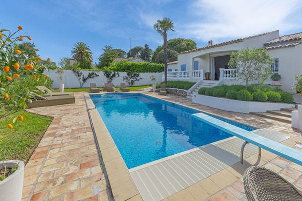 villa-climatisee-vue-antibes