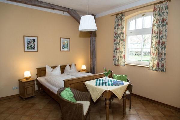Ferienwohnungen/Ferienhäuser: 2 Ferienwohnungen für 12 Personen, Sauna, Grillhaus, Frühstück möglich (max. 12 Personen)