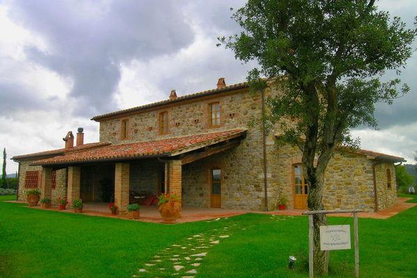 Vakantie accommodatie Umbrië Italië 12 personen