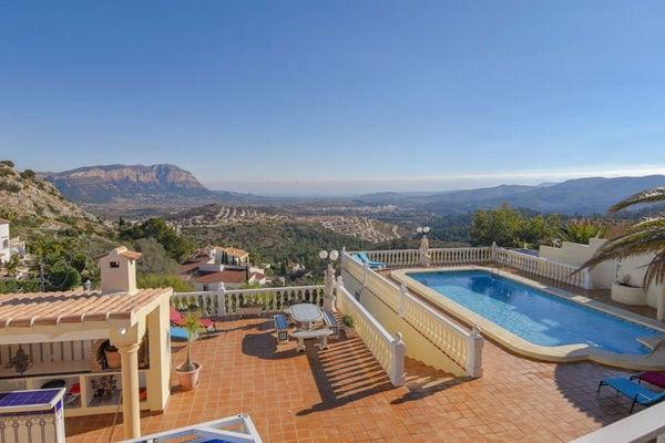 Ferienwohnungen/Ferienhäuser: 10-Personen Villa, fantastische Aussicht, Ruhe und Schönheit, Meerblick ringsum (max. 12 Personen)