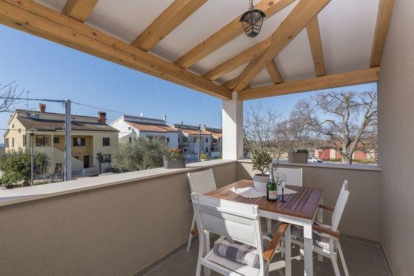 Apartment Romano with Sea View near Poreč