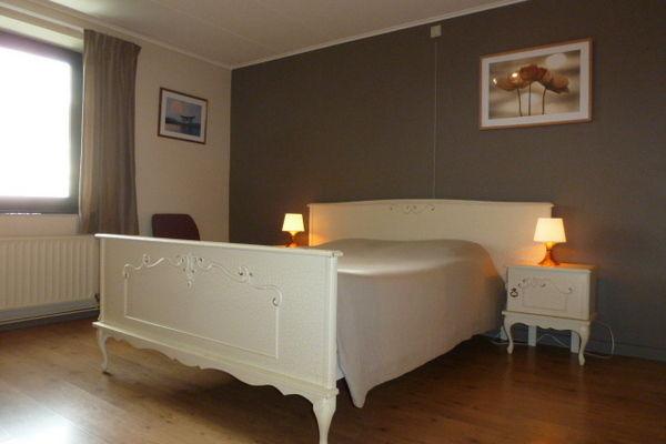 Ref: BE-6982-02 3 Bedrooms Price