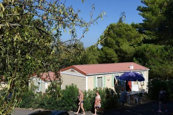 domaine-residentiel-de-plein-air-la-pinede-1