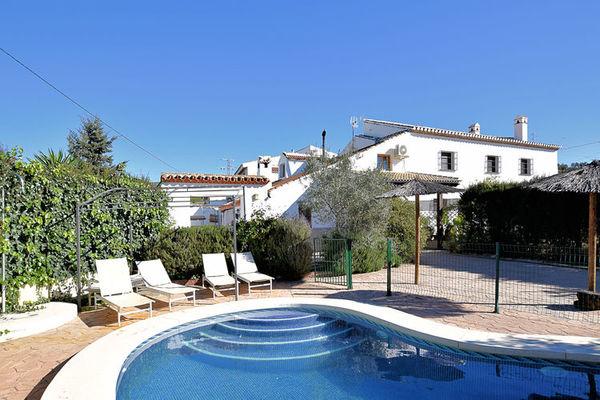 Ferienwohnungen/Ferienhäuser: Andalusischen Landhaus mit privatem Pool und umzäunten Garten geeignetfür Kinder (max. 8 Personen)