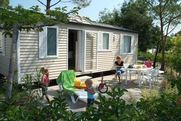 Ferienwohnung Gepflegtes Mobilheim mit Kombi-Mikrowelle, Strand in 5 km. (256266), Fréjus, Côte d'Azur, Provence - Alpen - Côte d'Azur, Frankreich, Bild 1