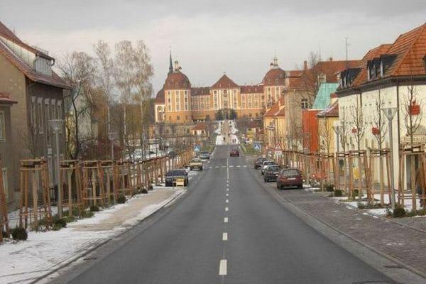 Het dorp moritzburg ligt in een prachtig bos en vijvergebied ten noorden van dresden (8km). moritzburg wordt ...