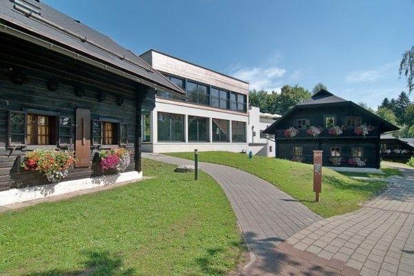 Ferienwohnung Authentisch eingerichtete Wohnung mit Balkon in Kärnten (304342), Latschach ober dem Faaker See, Villach-Land, Kärnten, Österreich, Bild 2
