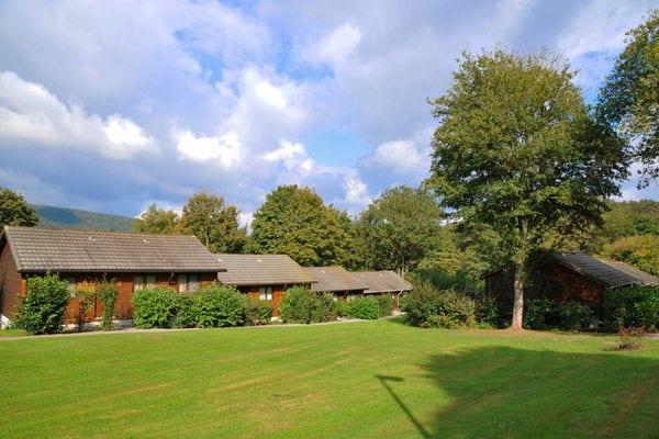 Ferienwohnungen/Ferienhäuser: 4-6 Pers. Reihenbungalows in wunderschön gelegenem Park (max. 6 Personen)