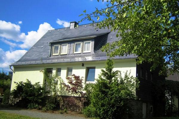 Ferienwohnungen/Ferienhäuser: 16-pers. Ferienhaus im Hochsauerland bei Winterberg (max. 16 Personen)