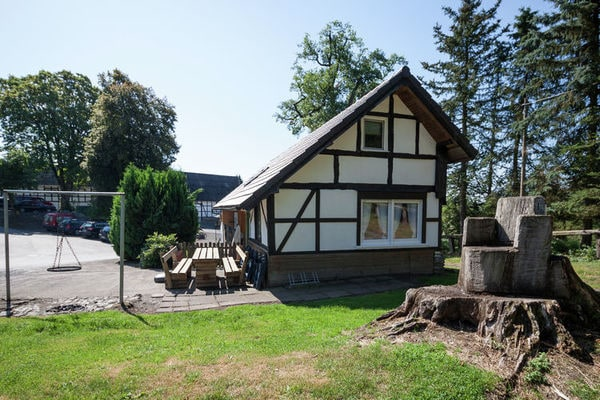 Ferienwohnungen/Ferienhäuser: 10-Personen-Ferienhaus auf einem Landgut mit vielen Freizeitmöglichkeiten (max. 10 Personen)