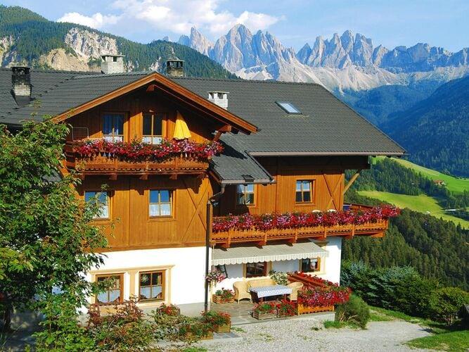 Appartementhaus Niedermunthof, Villnöß Ferienwohnung in Italien