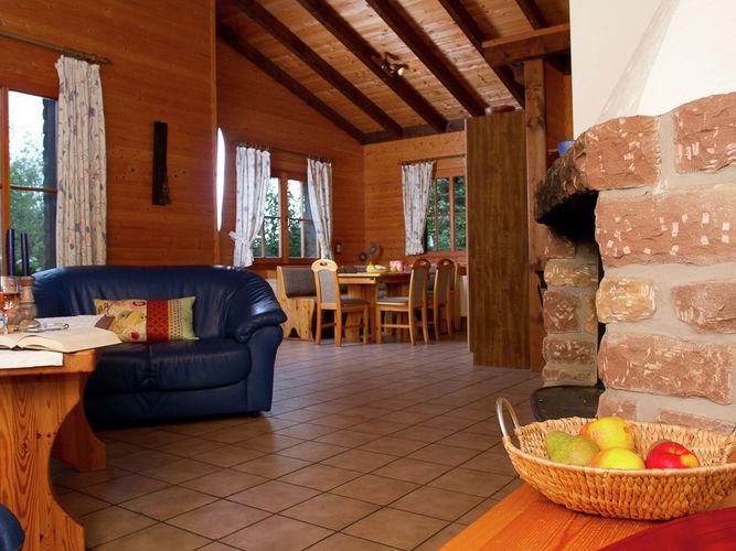 Ferienhaus Gemütliches Chalet mit Kamin in einem Waldgebiet (258670), Schönecken, Südeifel, Rheinland-Pfalz, Deutschland, Bild 3