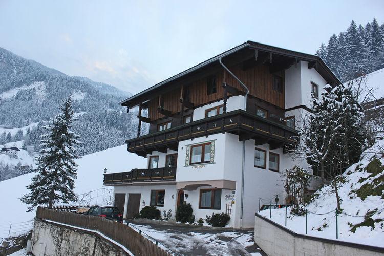 Vakantiehuizen Oostenrijk | Tirol | Appartement te huur in Hippach   met wifi 5 personen
