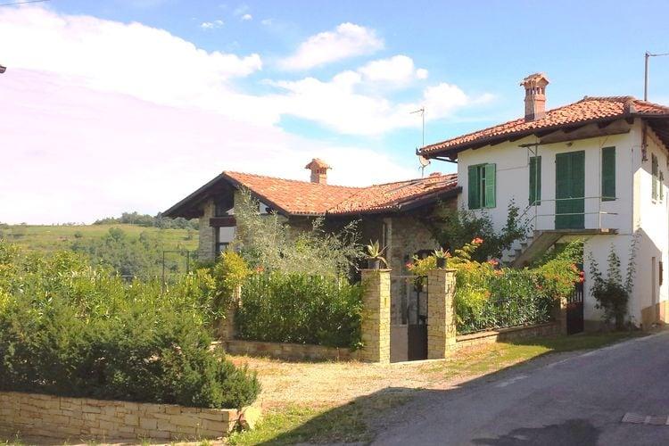 """Torresina Vakantiewoningen te huur Panoramisch gelegen vakantiewoning in een gerenoveerde """"rustico"""