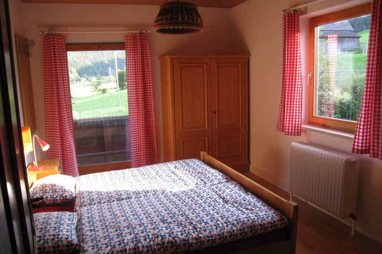 Ref: AT-5592-01 3 Bedrooms Price