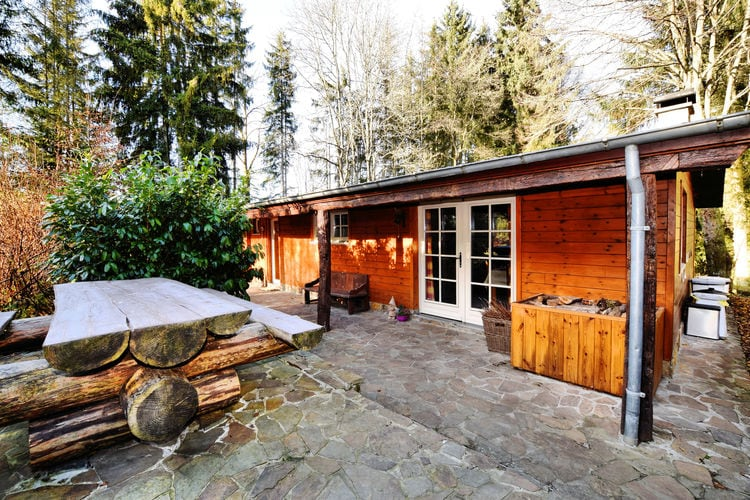 Belgie Chalets te huur Prachtig authentiek chalet met ruime tuin, overdekte barbecue en privé-visvijver