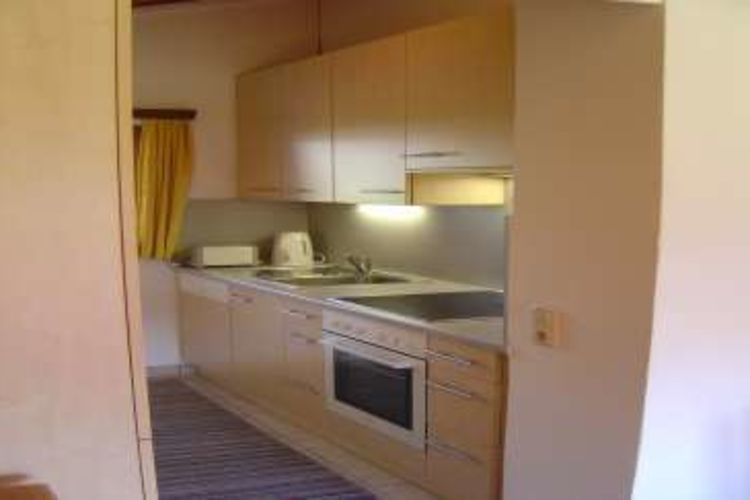 Ref: AT-0522-01 3 Bedrooms Price