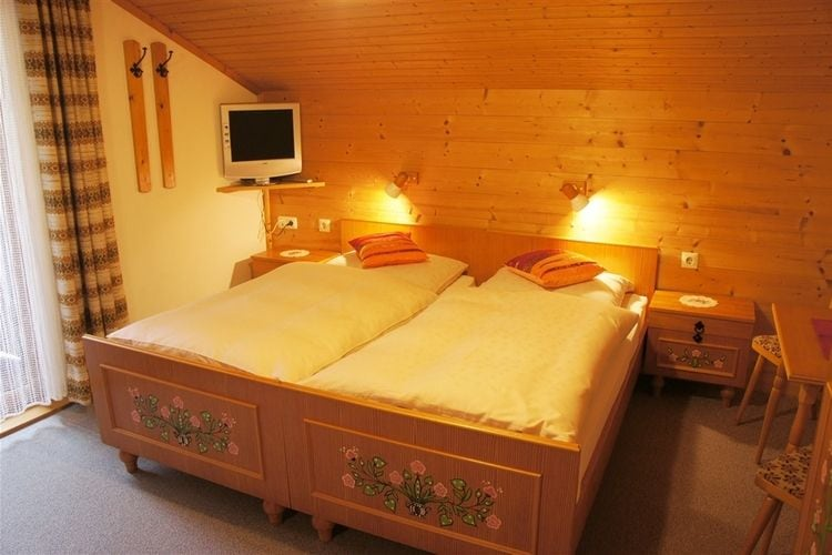 Ref: AT-5742-28 4 Bedrooms Price