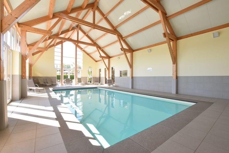 Vakantiehuis met zwembad met wifi  La Roche en Ardenne  Les Bains 48 p