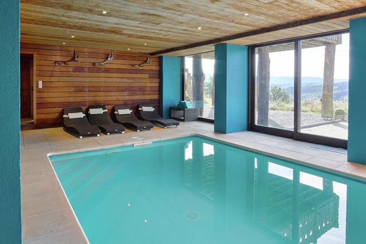 Stoumont Vakantiewoningen te huur Luxe vrijstaand vakantiehuis met binnenzwembad, sauna, poolbiljart en open haard