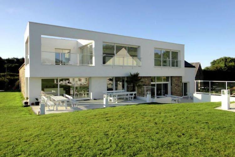Luxe villa met grote tuin, overdekt privé zwembad en sauna