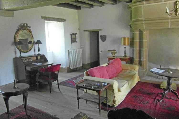 Kasteel Frankrijk, Auvergne, Le Veurdre Kasteel FR-03320-17