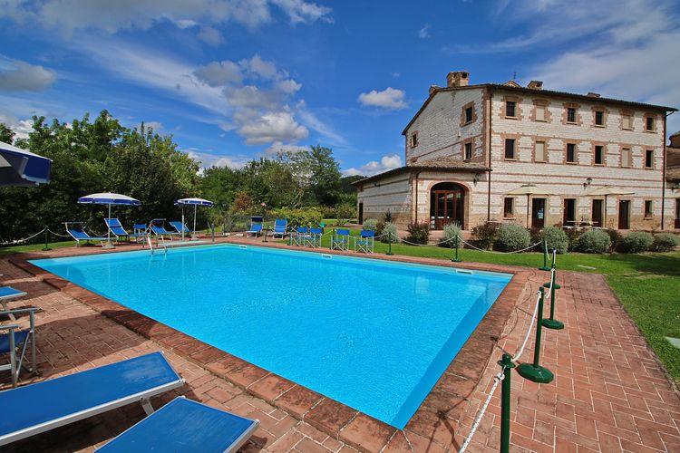 Vakantiewoning met zwembad met wifi  Urbania  Secondo