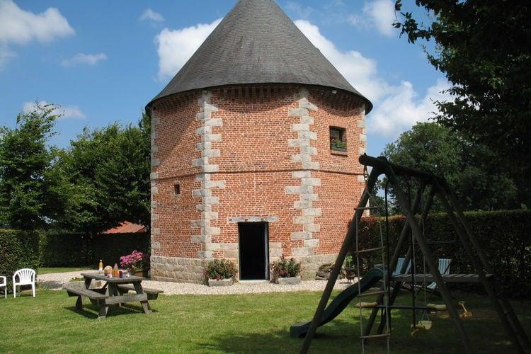 Normandie Vakantiewoningen te huur 18e-eeuwse gerenoveerde duiventil als comfortabele vakantiewoning op boerderij