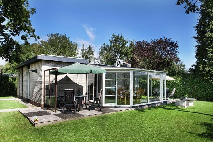 Kortgene Vakantiewoningen te huur Comfortabel ingerichte bungalow aan het Veerse Meer.