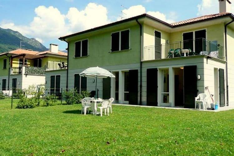 Porlezza Vakantiewoningen te huur Vakantiecomplex in Porlezza, aan de oevers van het meer van Lugano.