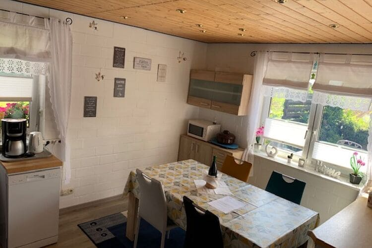 Appartement Duitsland, Nedersaksen, Lüdersfeld Appartement DE-31702-02