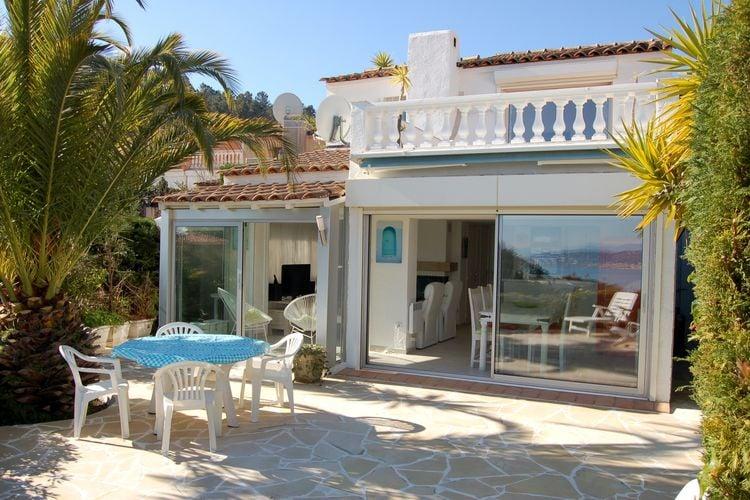 Vakantiewoning met zwembad met wifi aan zee Théoule-sur-mer  Modern ingericht vakantiehuis met gemeenschappelijk zwembad en uitzicht op Zee