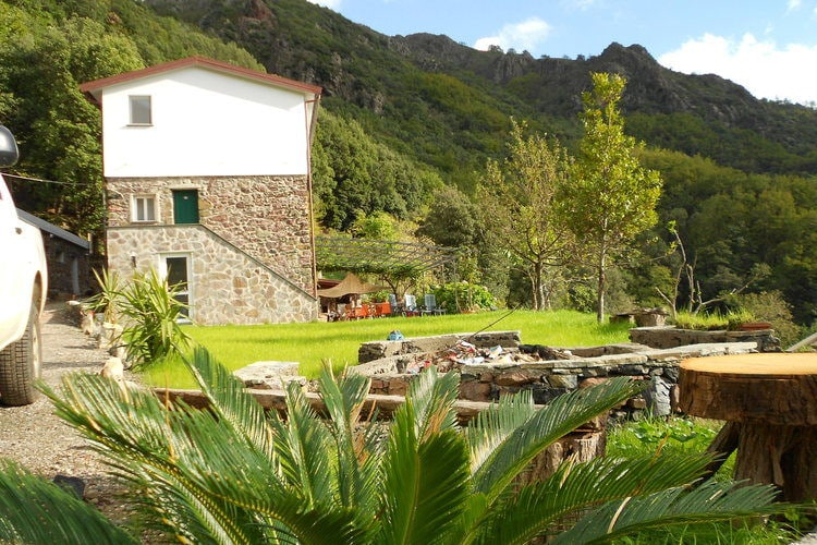 Vakantiewoning    Sestri Levante  De natuur in een zéér gastvrije setting, met uitzicht op berg én zee!