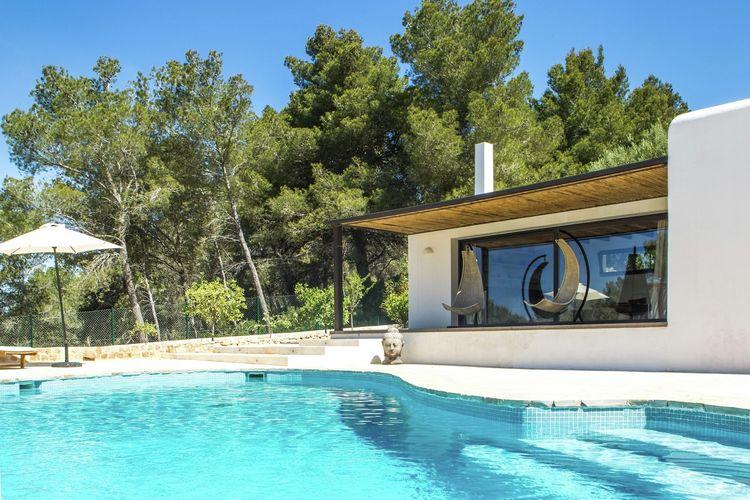 Prachtig gerenoveerde villa in Jesus op slechts 5 minuten van Ibiza-Stad