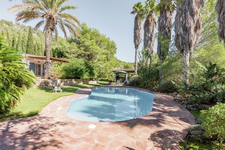Prachtige villa met privé zwembad, buitenkeuken met barbecue en wuivende palmen